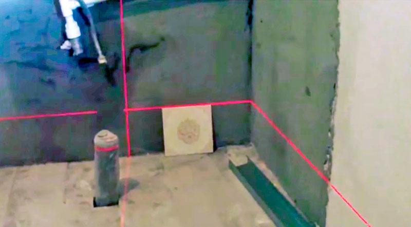Разметка первого ряда делается в самой высокой точке помещения