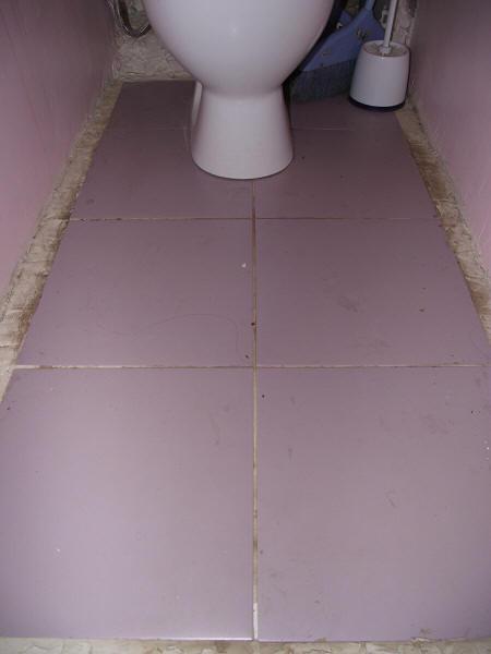 Материалы для заделки шва между ванной и стеной