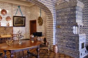 Интерьер дворца считается уникальным, потому что на него ушло более 30 тысяч плиток.