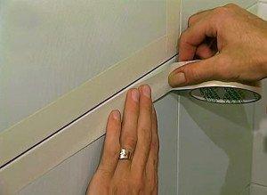 Установка ревизионного люка невидимки и пример самодельной скрытой дверцы