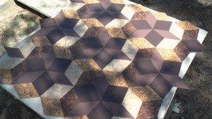 С помощью гидроабразивной резки из керамогранита можно сделать мозаику и собирать уникальные рисунки.