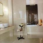 Плитка Marvel Beige от Atlas Concorde (Италия). Коллекция включает плитку для пола и стен, мозаику и бордюры в 6 цветовых вариантах: от белоснежного до кофейного.