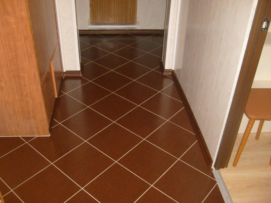 Пол в коридоре плитка фото
