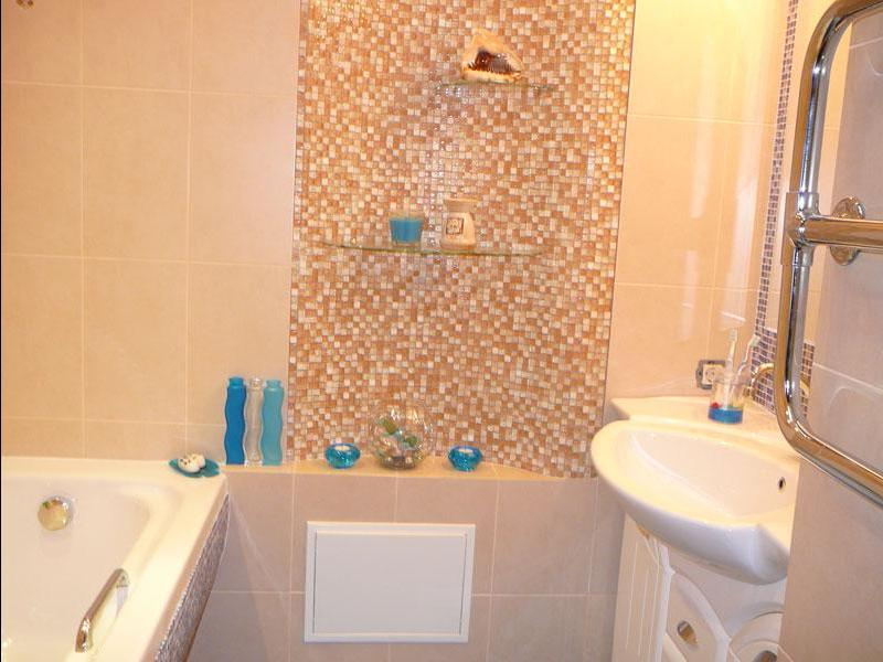 Дизайн ванной с плиткой и мозаикой