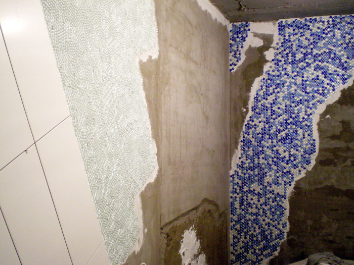 Укладка на белый плиточный клей.