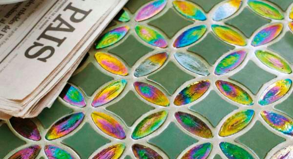 Смальта – ещё один трендовый материал: надёжный, прочный и стойкий к погодной и химической агрессии. На фото мозаика Basic Sicis (Италия).