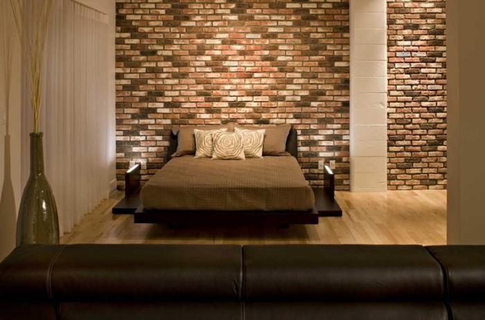 Отделка стены в спальне.